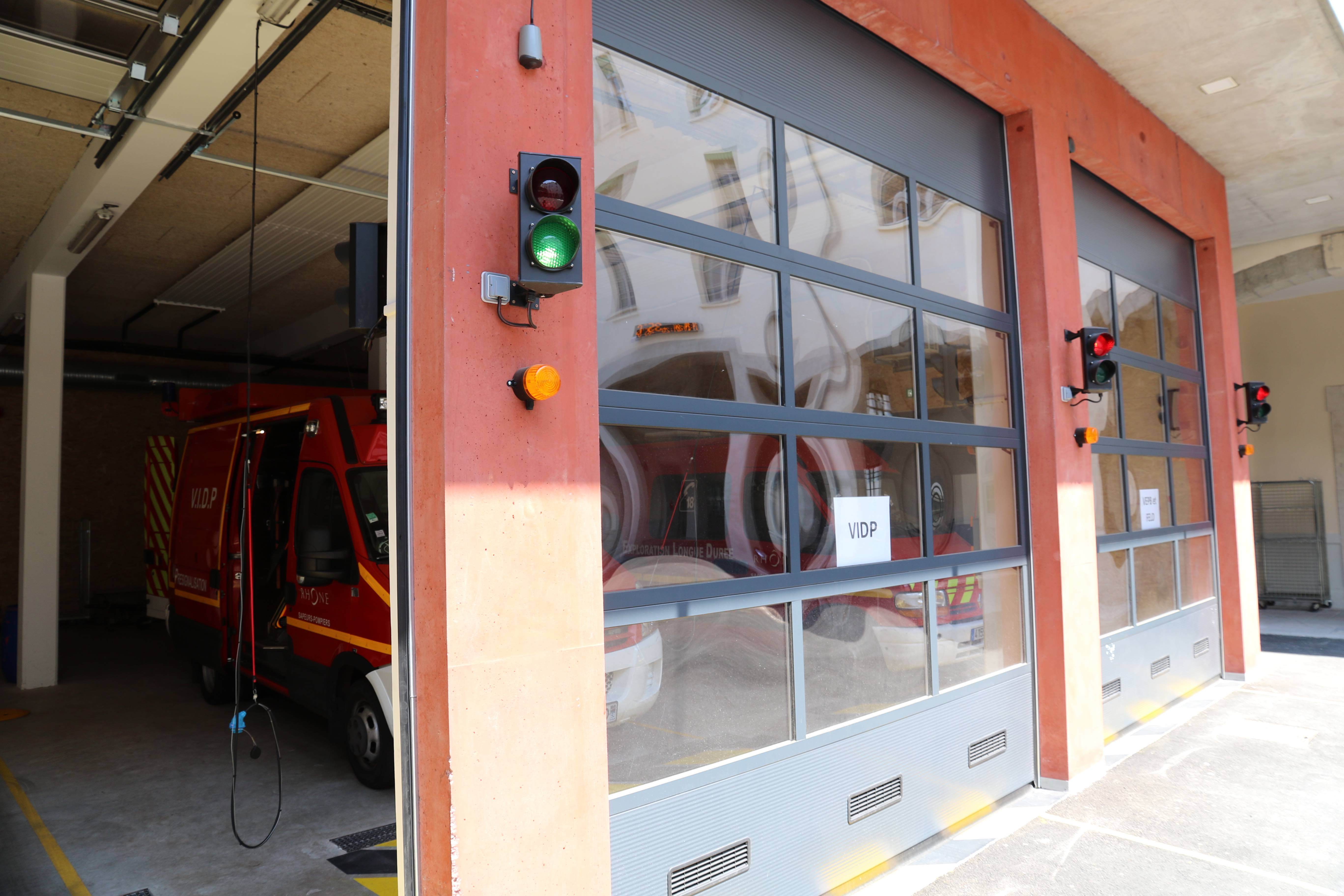 Systeme De Rideau Coulissant rideaux à ouverture rapide - copas systèmes (rhône-alpes)